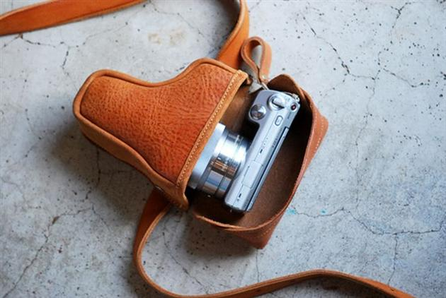 Gun Holder Camera Case by Roberu