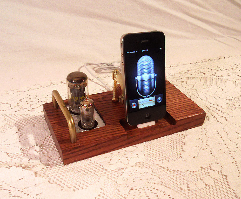 The Handmade Iphone 5 Docking Station Daily Cool Gadgets