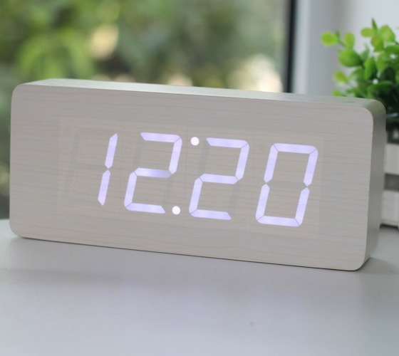 Wood_White_LED_Alarm_Clock_01