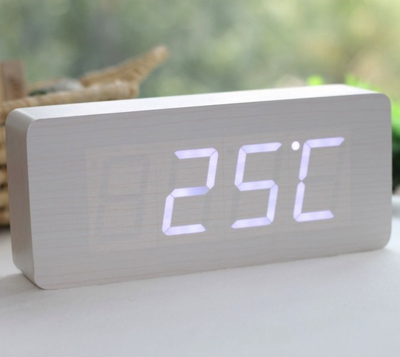 Wood_White_LED_Alarm_Clock_02