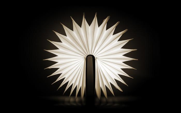 lumio_book_lamp_04