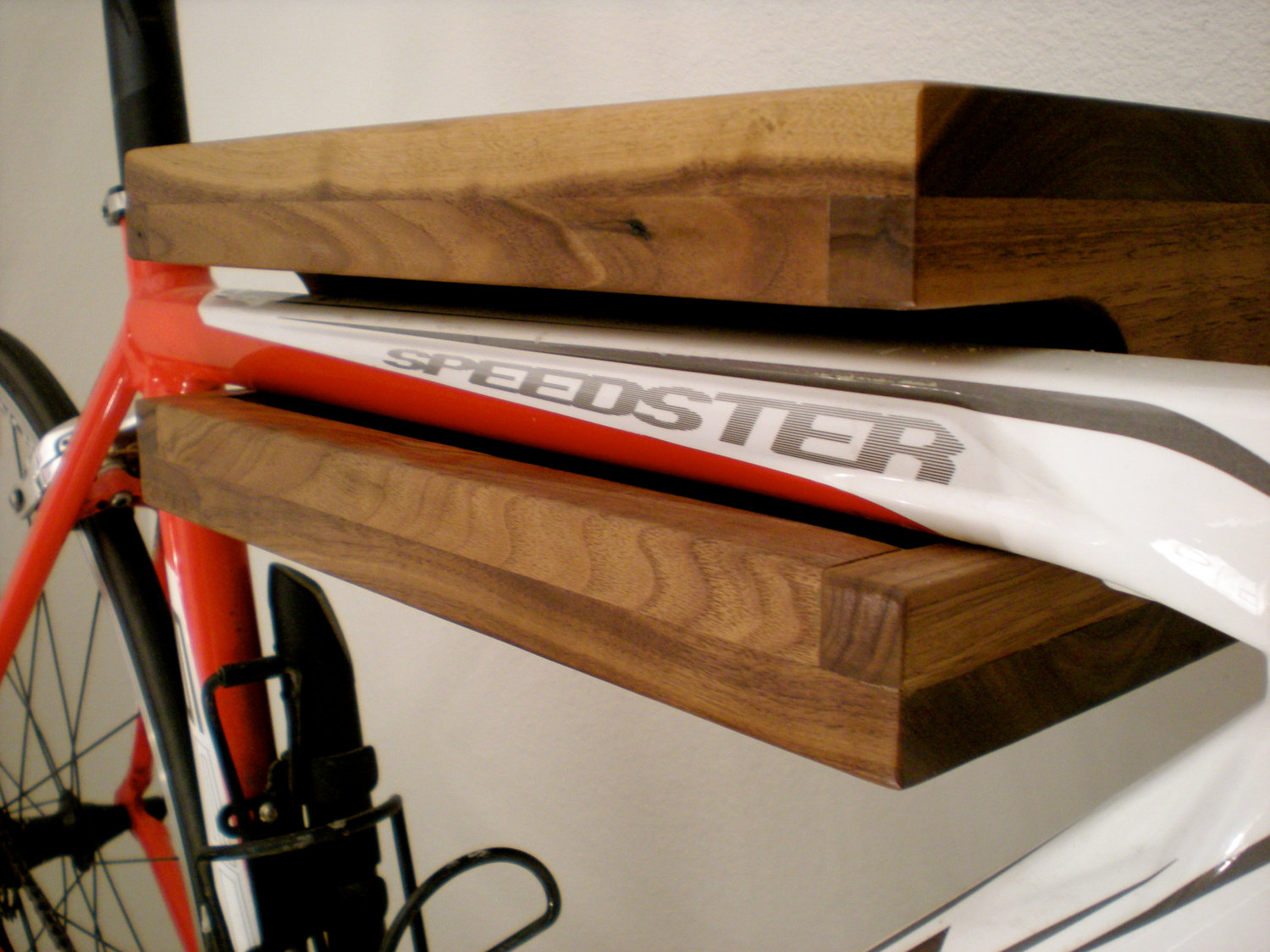 Bike rack bookshelf 02
