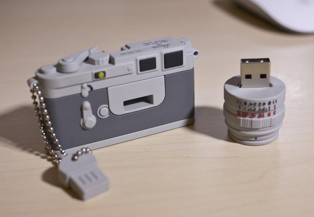 leica_m3_flash drive_01