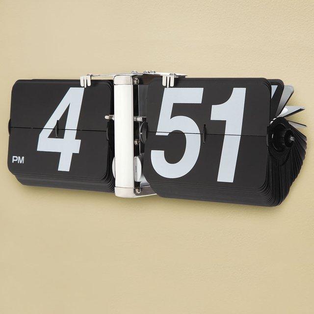 Giant Flip Clock 02
