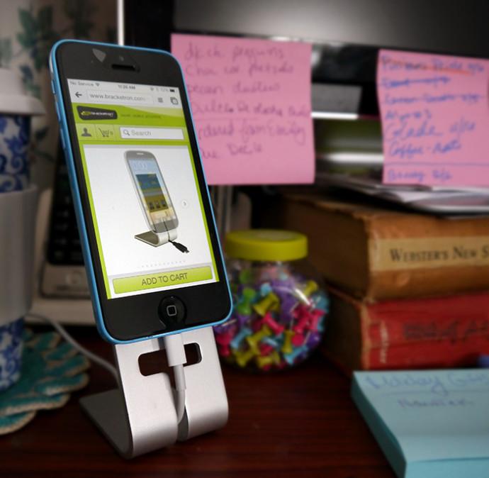 NanoTek Smartphone Stand