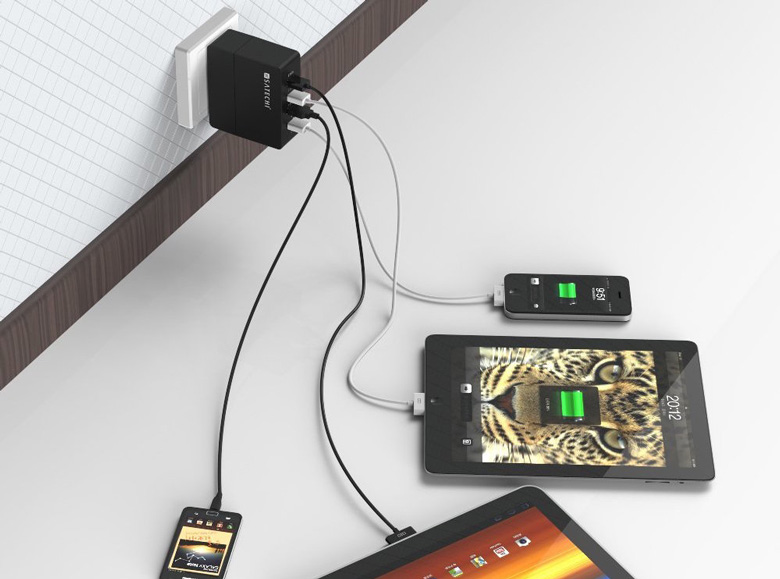 Satechi 4-Port USB Charger