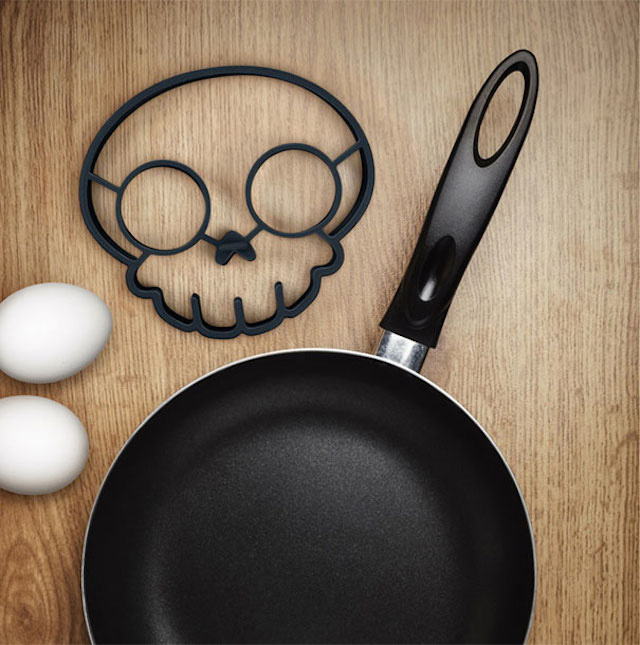 empty Side Up Skull Shaped Egg Ring Mold